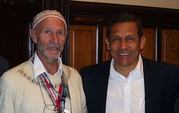 """""""Padre Miguel Piovesan, il più grande promotore della strada, con l'ex presidente peruviano Ollanta Humala."""""""